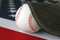 Американский бейсбол и крышка Стоковое Изображение