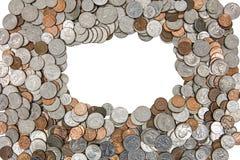 Американский изолированный вырез предпосылки кучи монеток Стоковое Изображение RF