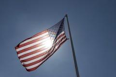 американский освещенный контржурным светом флаг стоковое фото rf