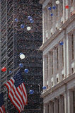 Американский флаг на параде Tickertape, NY Стоковое Изображение RF
