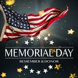 Американский флаг с Днем памяти погибших в войнах текста Стоковая Фотография
