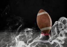 американский футбол в дыме Стоковая Фотография RF