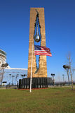 Американский флаг в фронте мемориала 11-ое сентября к схватке против терроризма мира стоковое изображение rf