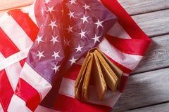 Американский флаг и старая книга Стоковые Фотографии RF