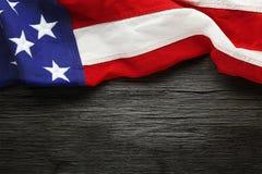 Американский флаг для предпосылка дня ` s Дня памяти погибших в войнах или ветерана Стоковые Фото