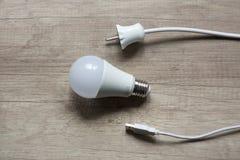 лампа, белизна, гнездо, возврат, шнур Стоковая Фотография RF