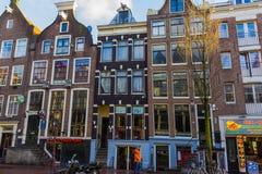 Амстердам, Нидерланды - 14-ое декабря 2017: Здания города Амстердама Стоковое Изображение RF