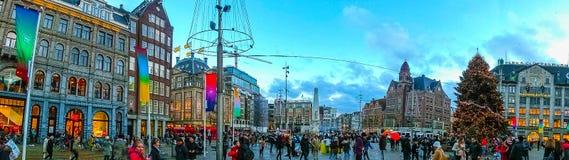 Амстердам, Нидерланды - 14-ое декабря 2017: Панорама квадрата запруды Стоковые Фотографии RF