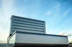 АМСТЕРДАМ, НИДЕРЛАНДЫ - 17-ОЕ ЯНВАРЯ 2016: Современная архитектура города 17-ое января 2016 в Амстердаме - Netherland Стоковые Фото