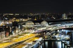 Амстердам, Нидерланд, к ночь стоковое изображение