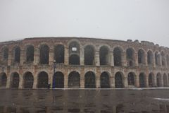 Амфитеатр арены в городке Вероны, Италии Стоковое фото RF