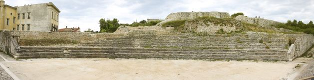 Амфитеатр пул на старом форте стоковое изображение