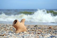 Амфора на побережье Стоковое фото RF