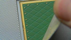 Анализ оборудования для запасных частей Демонтируйте компьтер-книжку Обсудите компьютер в малых частях Конец-вверх макроса сток-видео