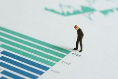 Анализ отчете о финансовых показателей или концепция вклада, минута стоковое фото