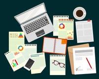 аналитичности Бизнес Исследование стратегии бизнеса офис Реалистическая организация рабочего места Ноутбук, бумаги, стекла иллюстрация вектора