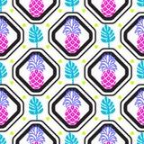 Ананасы и листья в картине плитки косоугольников геометрической Стоковые Изображения RF