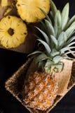 ананас предпосылки черный Стоковые Изображения