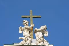 2 ангела с крестом Стоковое фото RF