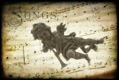 ангел играя trumpet Стоковые Фотографии RF