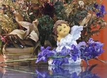 ангел мечтая цветки Стоковая Фотография