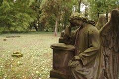 ангел оплакивая стоковое изображение
