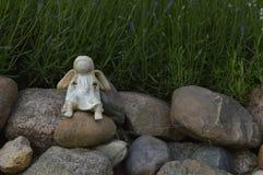 Ангел Smilig с отрезками провода Стоковые Фотографии RF