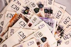 Английский язык 20 и 10 фунтов смешивания денег стоковая фотография rf