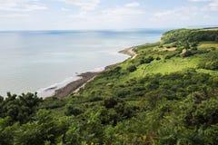 Английское побережье на Fairlight, около Hastings, восточное Сассекс, Англия стоковое фото rf
