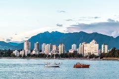Английский взгляд залива от пляжа Kitsilano в Ванкувере, Канаде Стоковые Фото