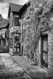 Английский загородный дом стоковая фотография