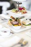 Английский комплект плотного ужина с чаем Стоковое фото RF