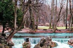 Английский сад на Мюнхене, Германии стоковые изображения rf