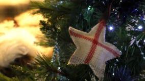 Английский символ на рождественской елке сток-видео