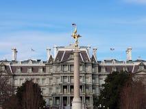 Анджел над зданием стоковое изображение