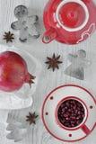 Анисовка гранатового дерева и звезды с комплектом чая Стоковое Фото