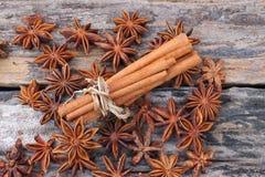 Анисовка циннамона и звезды Стоковая Фотография