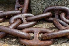 анкерные цепи ржавые стоковые фото