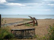 Анкеры на пляже на Aldeburgh Стоковая Фотография RF