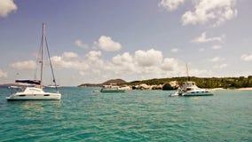 Анкоредж парусника в Виргинских Островах (Британские) сток-видео