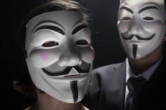 Анонимный хакер активиста с съемкой студии маски стоковая фотография