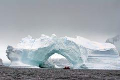 Антартический старт круиза сдобренным айсбергом Антарктикой стоковая фотография rf