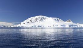 Антартическое побережье стоковое изображение rf
