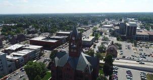 Антенна здания суда графства Midwest акции видеоматериалы