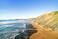 Антенна от Вейл Figueiras Прая на westcoast Португалии Стоковое Фото