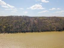 Антенна Рекы Susquehanna и окружающей територии в перепаде, Penns стоковое изображение