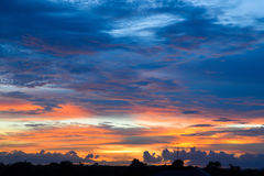Антенна силуэта с twilight небом стоковое фото