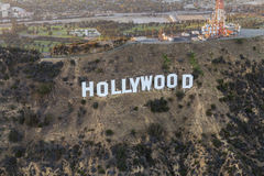 Антенна сумрака знака Голливуда стоковые фотографии rf