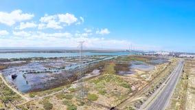 Антенна трутня башен промышленной зоны высоковольтных, принятая на порт Аделаиду Стоковая Фотография RF