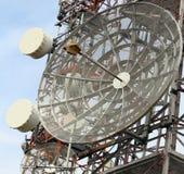 Антенны радиосвязей сигналов телевидения и телефона Стоковые Изображения RF